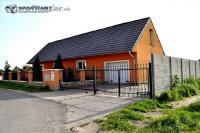 Rodinný dom, Slnečná ulica - Veľké Leváre