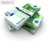 Peniaze úver ponúka najmä medzi