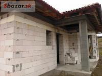 Stavby arekonštrukcie vRakúsku , Maďarsku +