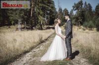 Éterické svadobné šaty v štýle Boho - 38