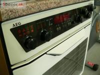 Bílý vestavný sporák AEG competence